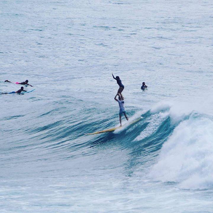 Paul et Lucie, à Hawaii, free surf à deux avant les champ. du monde de Tandem
